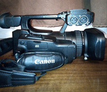 იყიდება მეორადი პროფესიონალური იაპონური ვიდეოკამერა CANON XF100