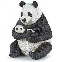 PAPO პანდა ხელში შვილთან ერთად